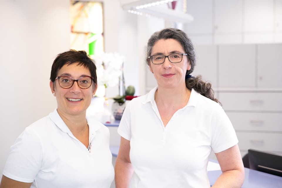 Dr. med. Esra Onay-Ehrensberger, specialist for internal medicine, and Christine Stahlberger, specialist in general medicine